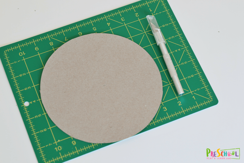 cut cardboard piece into a circle
