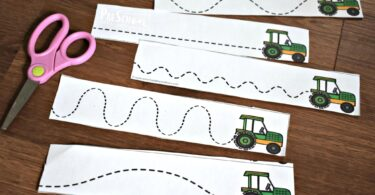 These farm themed strips are great cutting practice for toddler, preschool, prek, and kindergarten age kids