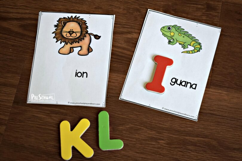 Free printable alphabet cards that use magnetic letters to practice phonics.