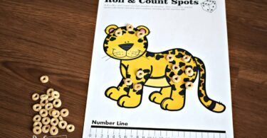 Fun hands on math activity for preschoolers to practice one to one correspondence with Cheerios.