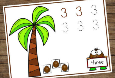 These number mats are a fun way for preschoolers and kindergartners to trace numbers to 10
