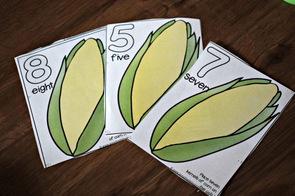 free playdough mats for preschoolers and kindergartners to practice counting to 10 or 20