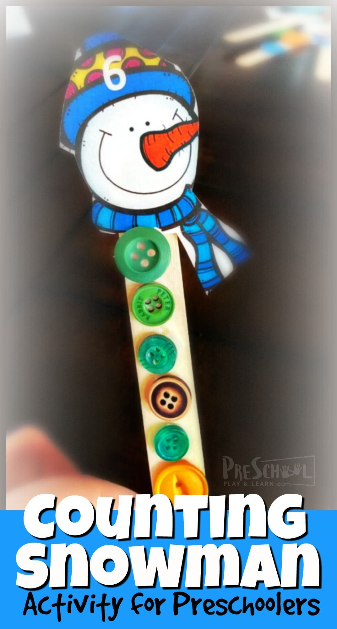 Kids will have fun practicing counting to 10 with these super cute counting snowman! This is both a hands-onsnowman math and a cute snowman craft for preschool at the same time. This winter craft combines tactile button counting with a printable snowman template to make into an adorable craft stick snowman craft.