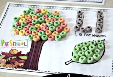 These Fruit Loop Alphabet Snack Mats are so clever! Children will practice color recognition, pincer grip, and letter recognition with these free abc printables.  Complete with letter and pictures in the fruit loops coloring pages with fruit loops or skittles! Play, Snack, Repeat! These are perfect for toddler, preschool, pre k, kindergarten, and grade 1 students.