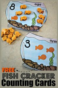 These pack of fish bowels to practice counting 0-10 is such a clever, FUN hands on counting activity for toddler, preschool, pre k, and kindergarten age students. Grab the  goldfish counting printable and a handful of fish cracker are you are ready to work on 1:1 correspondence as you count to 10 with this clever math activity for preschoolers.